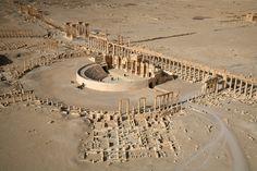 Suriye Ordusu Palmira Antik Kenti'ne Girdi Syrian Army Entered the Ancient City of Palmyra Ancient Ruins, Ancient Rome, Ancient History, Ancient Architecture, Art And Architecture, Palmyra Syria, Roman Theatre, Roman City, Archaeological Site