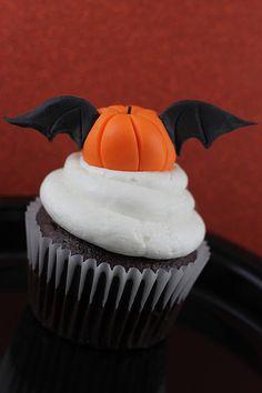 Pumpkin Bat Cupcake Topper