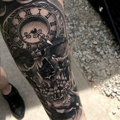 Realistic Skull and Clock Tattoo On Left Arm Small Skull Tattoo, Skull Tattoo Flowers, Skull Rose Tattoos, Skull Sleeve Tattoos, Mens Sleeve Tattoo Designs, Maori Tattoo Designs, Trendy Tattoos, Unique Tattoos, Tattoos For Guys