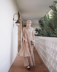 Dress Hijab Bridesmaid Blue 29 New Ideas Dress Brokat Muslim, Dress Brokat Modern, Kebaya Modern Dress, Kebaya Dress, Dress Pesta, Muslim Dress, Kebaya Hijab, Kebaya Muslim, Model Kebaya Brokat Modern