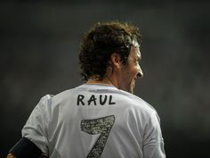 Raul 'did not see Zinedine Zidane as a coach'
