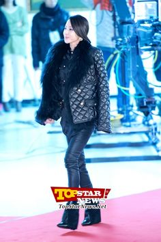 2NE1's Sandara Park, 'Flawless from head to toe'… Red carpet of the 2012 Melon Music Awards [KPOP PHOTO]