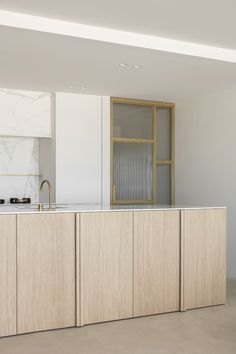 Residence LC is a minimalist home located in Knokke, Belgium, designed by Nils Van der Celen Interior Desing, Interior Design Kitchen, Interior Architecture, Large Furniture, Kitchen Furniture, Küchen Design, House Design, Design Blog, Minimal Home
