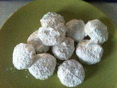 Kourabiedes -Greske julekaker med mandler. Stor porsjon til kjøkkenmaskin.