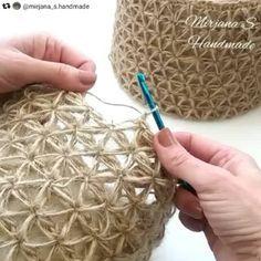 How to knit crochet basket video tutorial - # crochet basket video tutorial # holding . How to knit crochet basket video tutorial - # HäkelkorbVideoTutorial History of Knitting Str. Crochet Diy, Crochet Tote, Learn To Crochet, Tutorial Crochet, Crochet Tutorials, Crochet Lamp, Crochet Baskets, Crochet Gloves, Macrame Tutorial