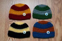Crochet Harry Potter Inspired Newborn cap for bebes. Harry Potter Hat, Harry Potter Crochet, Harry Potter Items, Harry Potter Outfits, Crochet Fall, Crochet For Boys, Knit Crochet, Crocheted Hats, Loom Knitting