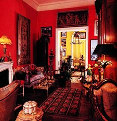 The Peak of Chic®: Iris Apfel, Visual Gourmet Manhattan Apartment, Wall Treatments, Architectural Digest, Old World, Magnifying Glass, Interior Design, Mirror, Architecture, Antiques