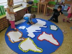 28 Panels for Earth Day - Aluno On Continents Activities, Geography Activities, Teaching Geography, Earth Day Activities, Kids Learning Activities, Spring Activities, Montessori Activities, Projects For Kids, Crafts For Kids
