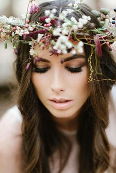 stunning white and purple rustic flower crown! Check out the post for more stunning flower crowns.