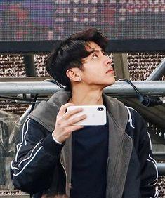 Korean Boys Ulzzang, Korean Men, Pretty Boys, Cute Boys, Christian Yu, Daddy Rules, Male Models Poses, King Of Music, Aesthetic Boy