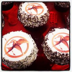 "Trophy Cupcakes salute to the premiere of ""The Hunger Games"""