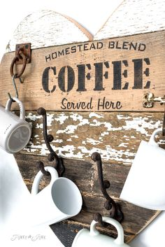 3 ways to use a reclaimed wood salvaged junk heart Ev Aksesuarları – home accessories Small Wood Projects, Sign Stencils, Coffee Signs, Blended Coffee, Funky Junk, Rustic Farmhouse Decor, Pallet Signs, Stencil Painting, So Little Time