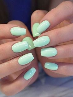 The advantage of the gel is that it allows you to enjoy your French manicure for a long time. There are four different ways to make a French manicure on gel nails. Chic Nails, Stylish Nails, Trendy Nails, Classy Nails, Fancy Nails, Simple Nails, Summer Acrylic Nails, Best Acrylic Nails, Summer Nails