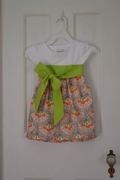 Toddler Dress with Green bow / Girls Dress / by JellyLouCreations