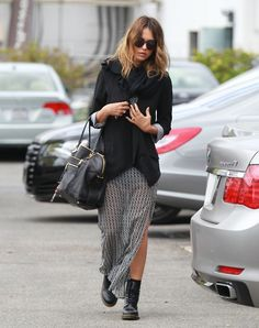 #streetstyle #skirt #casual