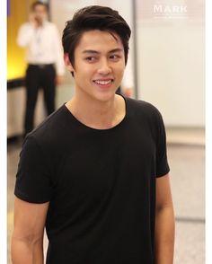 "nueng_panachai trên Instagram: ""ละลายมั๊ยอ่ะคนโดนมอง  @mark_prin #mark_prin #markprin #13/1/17 /หล่อล่ำอ่ะ :) /หน้าก็วี /เขี้ยวก็มา"" Asian Boys, Asian Men, Taiwan Drama, Mark Prin, Sung Hoon, Thai Drama, Cute Korean, Hetalia, Korean Actors"