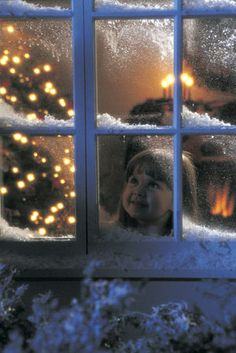 Looking through Christmas windows. Joy and anticipation beaming inside Christmas Scenes, Noel Christmas, Little Christmas, Country Christmas, Christmas Pictures, Winter Christmas, Christmas Lights, Vintage Christmas, Christmas Windows