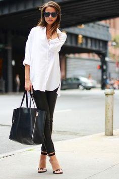 Fashion: beautiful and simple street style! Black leather pants + white tunic/sh… Fashion: beautiful and simple street style! Simple Street Style, Looks Street Style, Looks Style, Fashion Mode, Work Fashion, Fashion Looks, Fashion Trends, Womens Fashion, Style Fashion