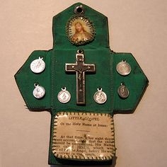 Vintage Catholic French Pocket Shrine -- would you make something like this?…