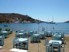 KORISSIA KEA, GREECE    I'll be staying here if I go to the archaeological field school!!!!! Mykonos, Santorini, Planet Earth 2, Greek Blue, Greece Islands, Paros, Small Island, Archipelago, Greece Travel
