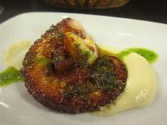Pulpo Asado con Vinagreta (Grilled octopus) - Borda Berri