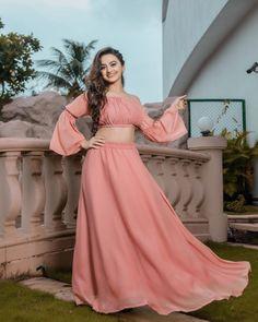 Follow me Maliha Tabassum Teen Fashion Outfits, Girl Fashion, Girl Outfits, Fashion Dresses, Indian Designer Outfits, Indian Outfits, Party Wear Dresses, Formal Dresses, Punjabi Girls