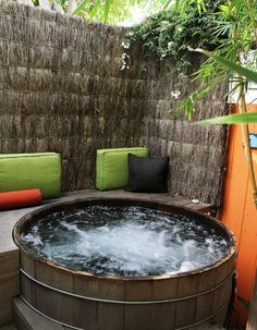 Grass cloth ? ? ? I LIKE A LOT - Tropical Spaces Design, Pictures, Remodel, Decor and Ideas - page 72