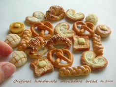 Miniature baked goods