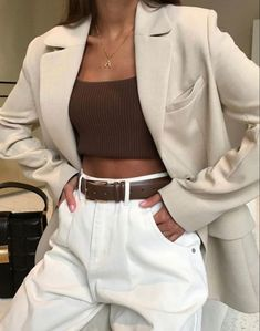 clothes Simple White Jeans Outfits to Copy Now Outfitting Ideas Mode clothes Copy ideas Jeans Outfit ideen outfits Outfitting Simple WHITE Outfit Jeans, Outfit Chic, Classy Jeans Outfit, Geek Outfit, Mode Outfits, Jean Outfits, Fashion Outfits, Girl Outfits, White Outfits