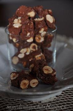 Lingrediente perduto: Ossa da mordere: biscotti senza burro, senza farina,senza lievito.... ma buoni buoni,buoni.