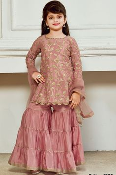 Wedding Dresses For Kids, Stylish Dresses For Girls, Gowns For Girls, Frocks For Girls, Indian Dresses For Kids, Kids Indian Wear, Stylish Kids, Kids Long Dress, Kids Dress Wear