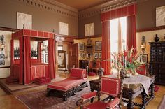George Vanderbilt's bedroom at Biltmore; the putty colored walls and redware-inspired ceiling really do it for me.