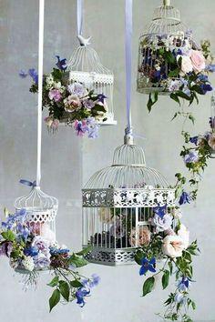 Bird Cage Flower Arrangement Centerpieces Center Pieces Ideas For 2019 Deco Floral, Floral Design, Deco Champetre, Bird Cages, Bird Feeders, Diy Wedding Decorations, Wedding Themes, Wedding Ideas, Budget Wedding