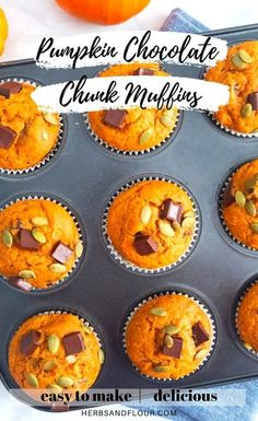 These Healthy Pumpkin Chocolate Chunk Muffins are a hit! They�re made with healthy ingredients and easy to make! Best of all, you can mix everything in one bowl, making clean up a breeze! Best Dessert Recipes, Fun Desserts, Fall Recipes, Sweet Pumpkin Recipes, Healthy Pumpkin, Pumpkin Puree, Pumpkin Spice, Savoury Dishes, Vegetarian Chocolate
