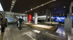 Victorinox - Flagship Store, London. Design by retailpartners ag.