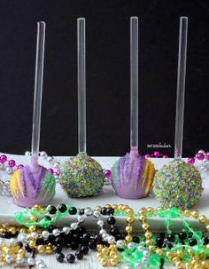 Pint Sized Baker: Mardi Gras Cake Pops Mardi Gras Party Theme, Mardi Gras Food, Mardi Gras Centerpieces, Mardi Gras Decorations, Mardi Gras Outfits, Mardi Gras Costumes, Cake Pops, Easy Sweets, Sweet 16 Parties