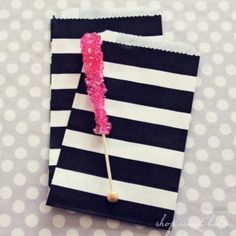Big Black Stripey Treat Bags from Shop Sweet Lulu. So Kate Spade! Love these. Perfect for a cookie bar.