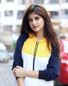 Arishfa Khan Hot HD Photos & Wallpapers for mobile Cute Girl Poses, Cute Girl Photo, Girl Photo Poses, Girl Photos, Hd Photos, Stylish Girls Photos, Stylish Girl Pic, Teen Celebrities, Indian Celebrities