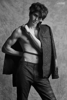 Gerard Sabe Poses for Dsection Magazine Fall Winter 2016 Issue Senior Girl Photography, Men Photography, Art Poses, Drawing Poses, Male Pose Reference, Androgynous Fashion, Portraits, Equality, Anatomy