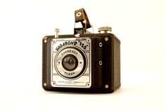 Vintage Vagabond 120 Eveready Flash Camera (c.1940s) - Collectible Working Camera by ThirdShift on Etsy https://www.etsy.com/listing/272981732/vintage-vagabond-120-eveready-flash