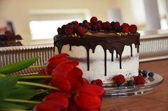 Ovocná torta s ganache z horkej čokolády   Ale, Desserts, Food, Tailgate Desserts, Deserts, Ale Beer, Essen, Postres, Meals