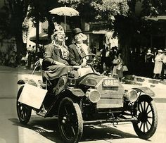 Alameda County Fair celebrates centennial | Parade attendees dressed in period costume drive a 1913 Brush Runabout in the 1939 Alameda County Fair parade in Pleasanton, Calif. #BayArea #EastBay #Fremont #Milpitas