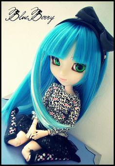 Blue hair, green eyes by ~Morphïne~, via Flickr