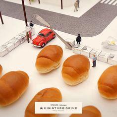 """. 【MINIATURE DRIVE】 """"駐車違パン""""はいけません。""""警察パン""""が見張ってますよ。 . #パン #駐車場 #見方を変えると毎日はおもしろいことばかり #MINIATUREDRIVE #Volkswagen #フォルクスワーゲン #ワーゲン . ーーーーーーーーーーーー このミニチュアの街の中をドライブできる VRコンテンツが実現! 東京モーターショーのVolkswagenブースにて ぜひ体験ください。 #45thtms #tms2017 #VR . 詳しくは http://tms.volkswagen.co.jp/ @vw_japan . 【第45回 東京モーターショー 2017】 一般公開会期:10/28(土)〜11/5(日) 会場:東京ビッグサイト http://www.tokyo-motorshow.com/ ."""