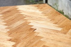 Håndbygget sildebensbord med udtræk - Smalltime Woodshop Butcher Block Cutting Board, Home, Ad Home, Homes, Haus, Houses