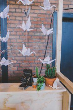 kraanvogeltjes vouwen; makkelijk en het ziet er tof uit. //Vendor: Happy Vintage// Foto: Anouk Fotografeert.