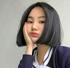 27 ideas for hair styles black people bob Black Hair Korean, Korean Short Hair, Short Black Hairstyles, Bob Hairstyles, Straight Hairstyles, Ulzzang Short Hair, Ulzzang Girl, Pelo Bob, Girl Short Hair