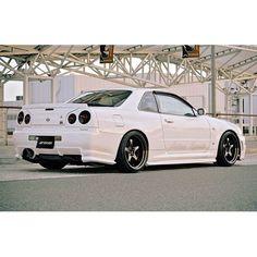 GTR with trunk lip spoiler Nissan Gtr R34, R34 Gtr, Nissan Gtr Skyline, Audi, Porsche, Tuner Cars, Jdm Cars, Godzilla, Jaguar