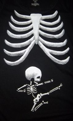 Funny pictures about Best Pregnancy Announcement Shirt Ever. Oh, and cool pics about Best Pregnancy Announcement Shirt Ever. Also, Best Pregnancy Announcement Shirt Ever photos. Baby Kind, Baby Baby, Fun Pregnancy Announcement, Halloween Pregnancy Announcement, Pregnant Halloween Costumes, Halloween Shirt, Maternity Halloween, Halloween 2013, Baby Costumes
