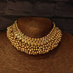 New Gold Jewellery Designs, Gold Bangles Design, Jewelry Design Earrings, Gold Earrings Designs, Pearl Statement Necklace, Gold Necklace, Indian Jewelry, Bohemian Jewelry, South India